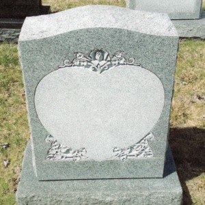 Barre Grey Single Upright Heart Panel with Deep-Cut Roses #81